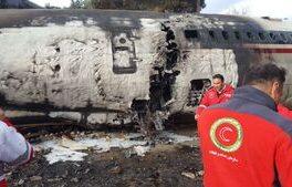 پیکر هفت فوت شده از هواپیما خارج شد